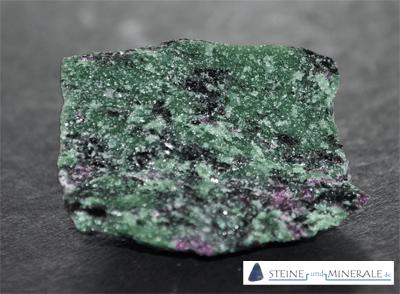 Zoisite - Mineral und Kristalle