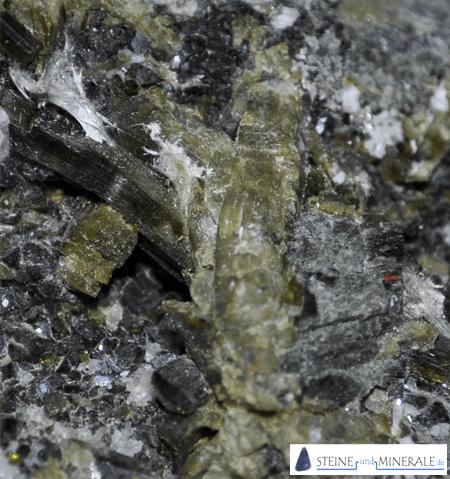 epidote - Mineral und Kristalle