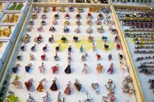 Schmuck kaufen  Schmuck und Edelsteine kaufen - Der Einkaufsführer von steine-und ...